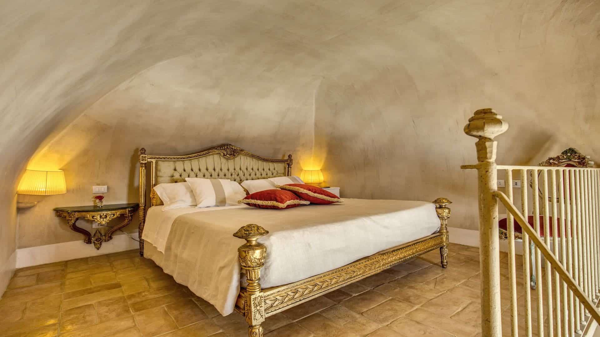 BedroomMezzanine03-05