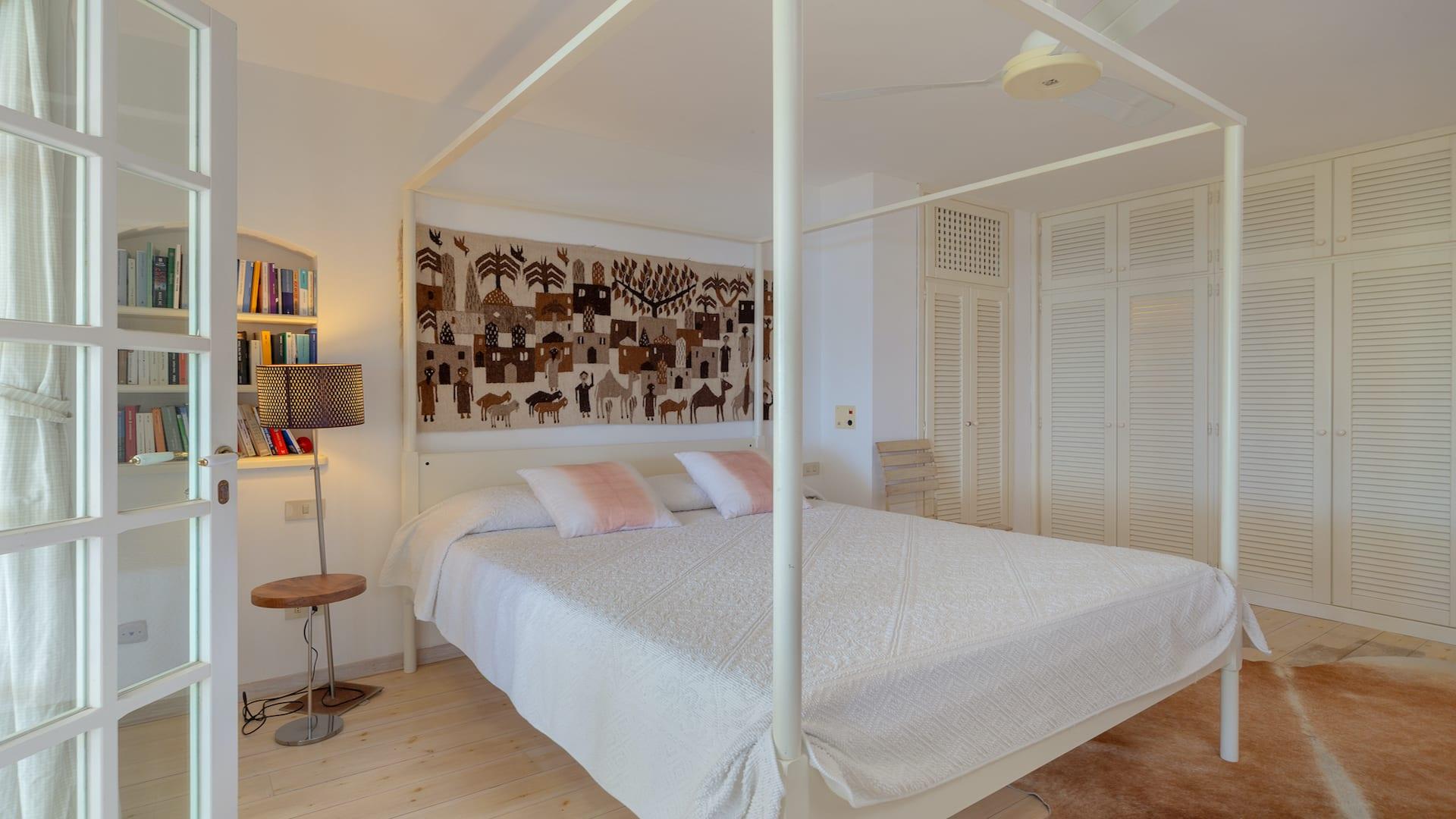 Bedroom01-02