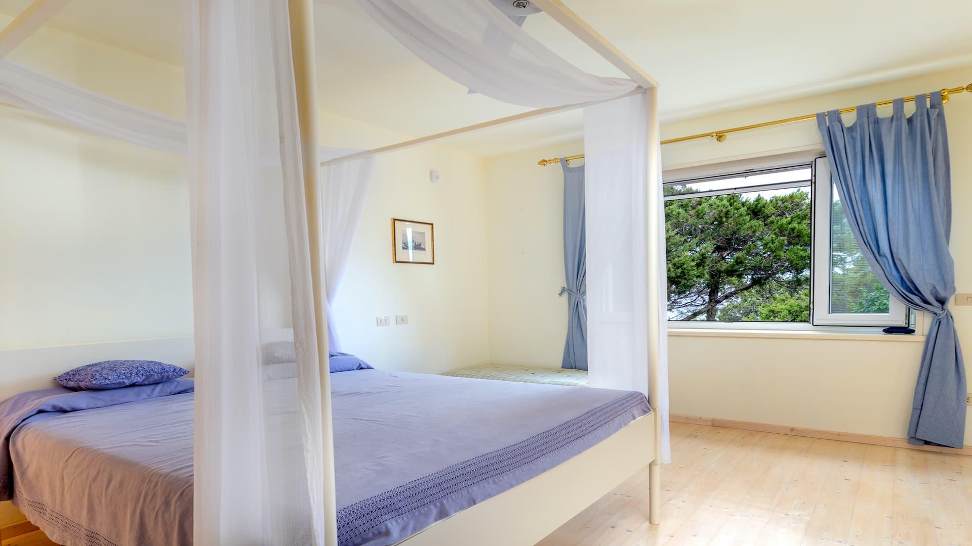 Bedroom05-01